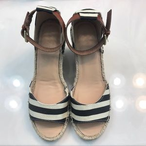 Old navy canvas black and cream wedge size 9 NWOT